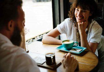 7 comportamientos de alguien que te atrae en secreto