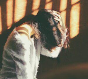 11 desgarradoras señales de que nunca serás una prioridad para él